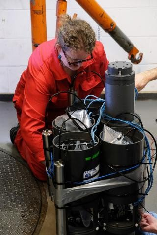英国国家海洋学中心开发深海传感器