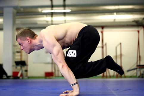 无器械练胸肌最好的要领是什么-追梦健身网