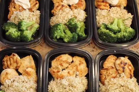 鸡胸肉健身餐怎么做最好吃-追梦健身网