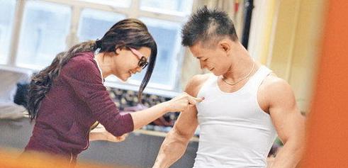 男子胸肌锻炼要领设-追梦健身网