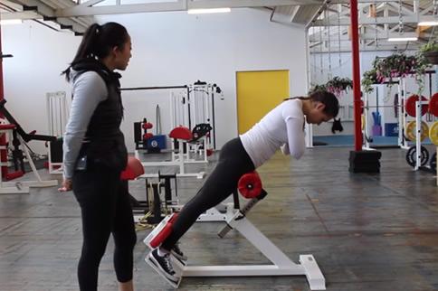 竖脊肌的锻炼要领图解 这几个要领教你锻炼-追梦健身网