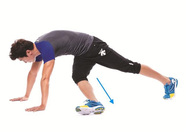 4个简单动作锻炼腹肌人鱼线-追梦健身网